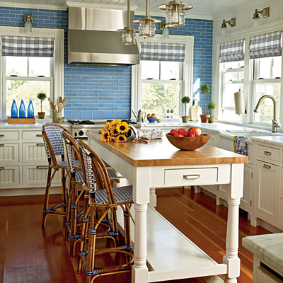 Add an island instead of a kitchen table...instant style !